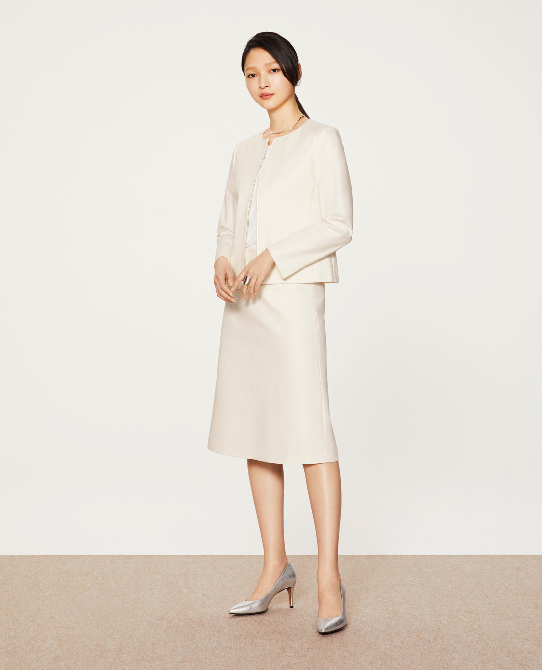 COMFORT ROUND NECK JACKET・ALINE SKIRT: 5526 / STRETCH / COTTON / DOUBLE CLOTH / WHITE