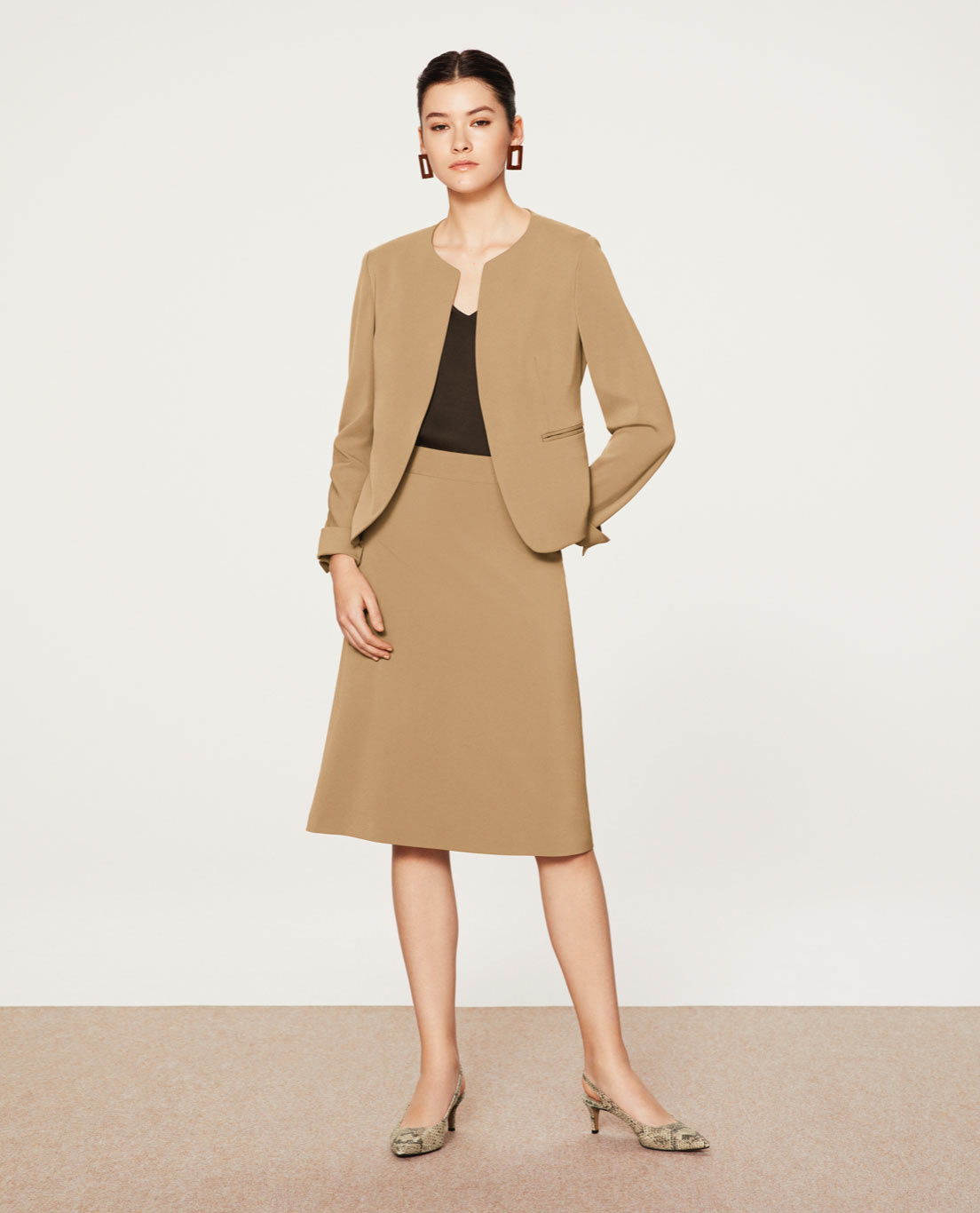 COMFORT NO COLLAR JACKET・ALINE SKIRT: 5445 / WASHABLE / STRETCH / SILKY TOUCH / CAMEL