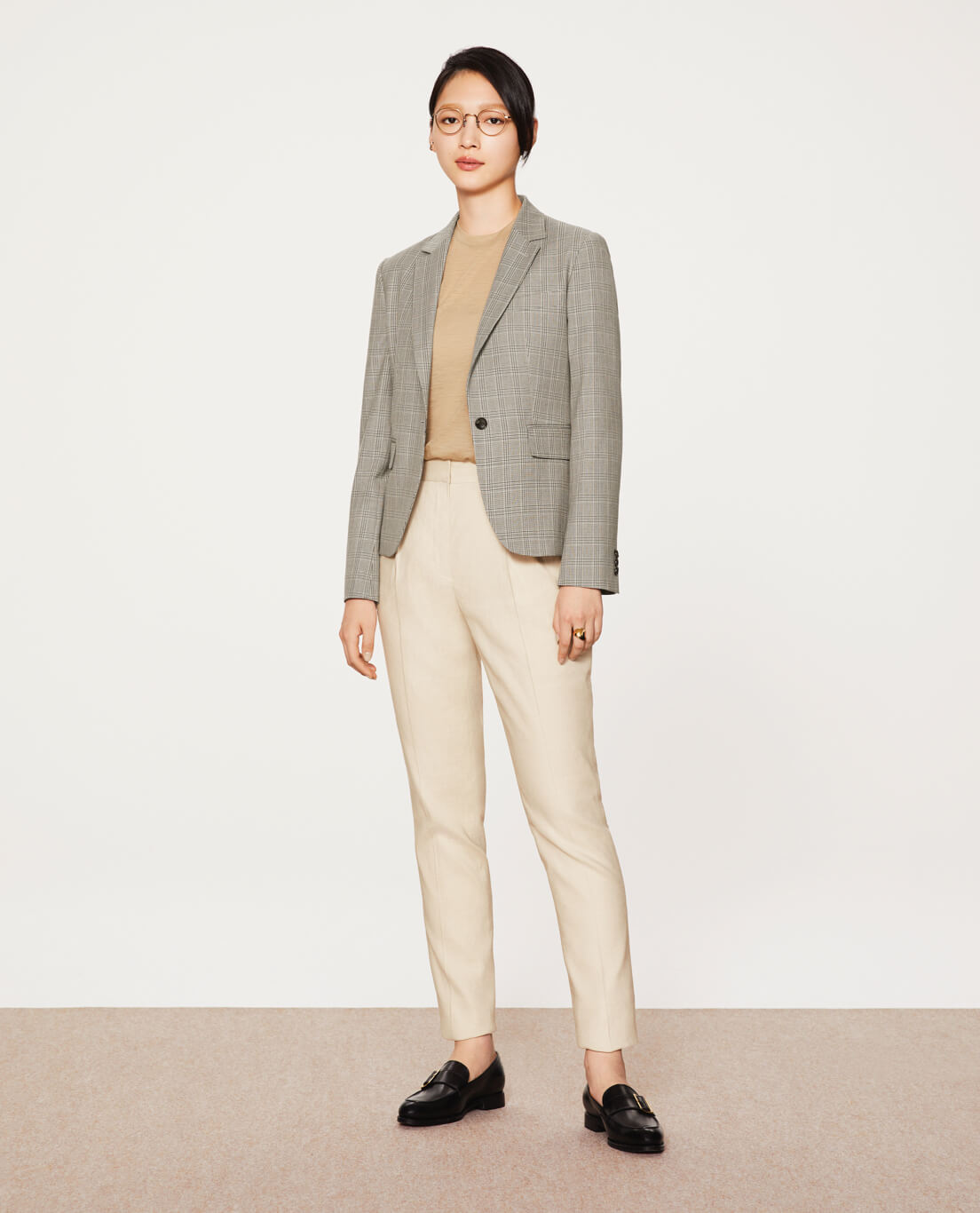 COMFORT TAILORED JACKET: 5601 / RIOPELE / WASHABLE / 2WAYSTRETCH / GLENCHECK,  TAPERED PANTS: 5456 / STRETCH / LINEN / VISCOSE / ECRU