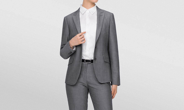 女性こそスーツをオーダーすべき理由