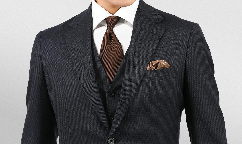 印象を左右する「スーツの袖丈」の基本。正しい丈と直し方を解説