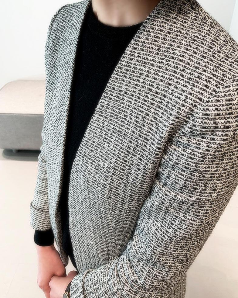 ツイード素材のジャケットスタイル