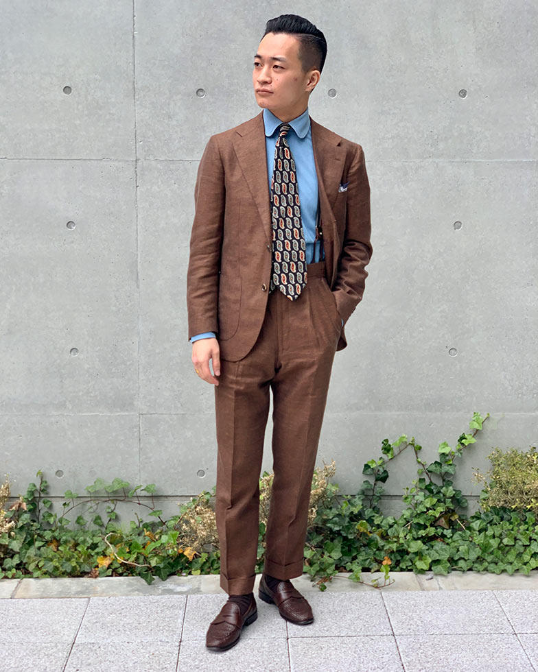 TALLIA DI DELFINOの贅沢な三者混サマースーツ
